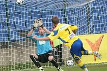 Fotbal Tescoma zlín (ve žlutém). Ilustrační foto