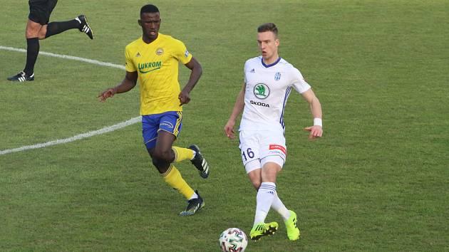 Fotbalisté Zlína (žluté dresy) v dohrávce 18. kole FORTUNA:LIGY přivítali Mladou Boleslav.