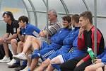 Fotbalisté Slavičína (v modrých dresech) na úvod přípravy zvítězili na Vršavě se Zlínem B 2:1