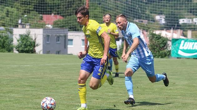 Fotbalisty Zlína (žluté dresy) čeká v sobotu generálka s brněnskou Zbrojovkou.