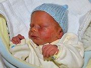 Tomáš Vítek z Uherského Brodu se narodil 13.2.2012 s mírou 45cm a váhou 2380 g