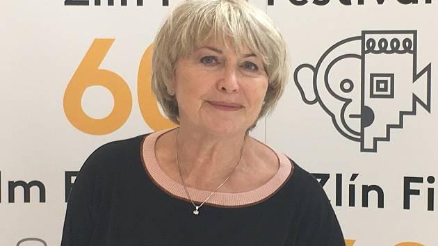 Eliška Balzerová dostala za svůj přínos filmu při příležitosti 60. ročníku Zlín Film Festivalu ocenění Zlatý střevíček.