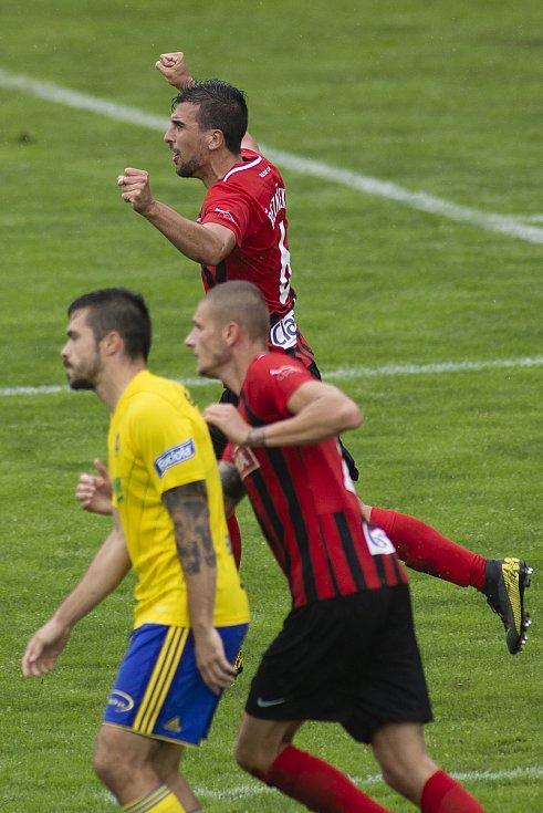 Zlín - Zápas skupiny o záchranu FORTUNA:LIGY mezi FC Fastav Zlín a SFC Opava. Jan Řezníček (SFC Opava).