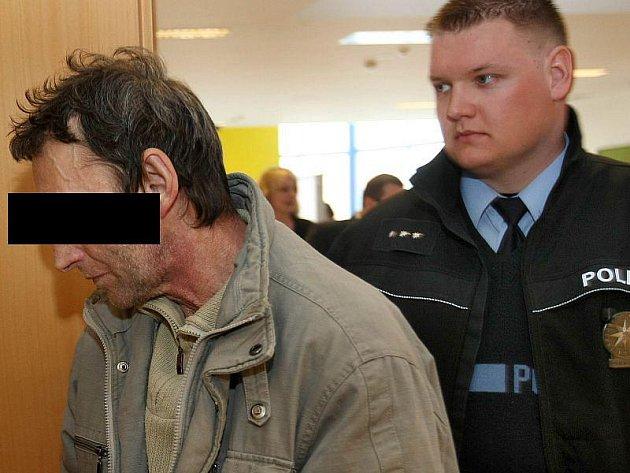 Nižší trest za vraždu dostal v úterý 18. ledna od Vrchního soudu v Olomouci pětapadesátiletý muž z Otrokovic.