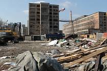 Bourání bývalého tržiště a zahájení stavby Laboratorního centra Fakulty technologické UTB ve Zlíně