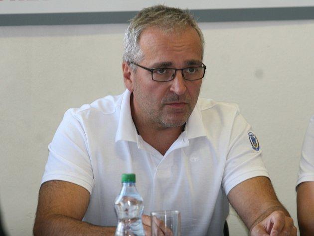 Karel Adamík