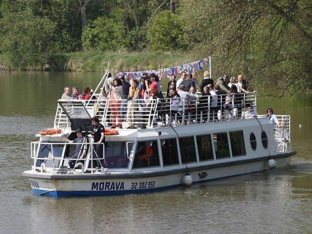 Loď Morava na Baťově kanále. Ilustrační foto.