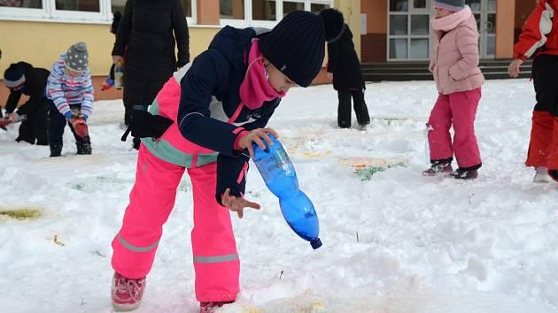 Malování na sníh.