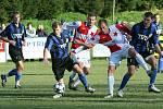 Fotbalisté Kroměříže (v sešívaném) vyhráli první zápas osmifinále Ondrášovka Cupu ve Slavičíně 5:1, a prakticky si tak zajistili postup do dubnového čtvrtfinále.