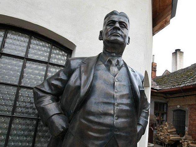 Bronzová socha Tomáše Bati.