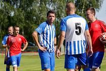 Sportovní manažer Fastavu Zlín Zdeněk Grygera oblékl dres Újezdce-Těšova.