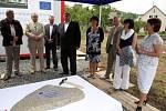 Poklepání základního kamene stavby Domu pro seniory v Luhačovicích.