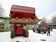 Nové stroje v muničním skladu ve Vrběticích.