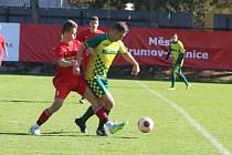 Fotbalisté Brumova (v červeném) v rámci 11. hraného kola krajského přeboru doma podlehli Napajedlům 2:6.