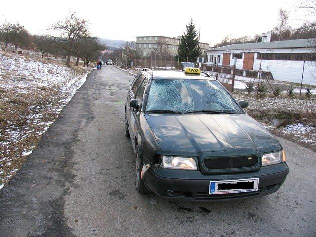 Vůz taxi služby, jenž vraždil na Vizovicku