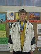 Mladý a nadějný atlet Lukáš Michalík z Machové na Zlínsku uspěl na speciálních olympiádách v Aténách a obsadil krásné druhé místo