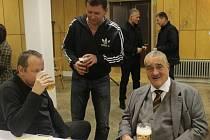 Karel Schwarzenberg, kandidát na Úřad prezidenta České republiky, navštívil v pátek 16. listopadu 2012 Luhačovice. Podíval se mimo jiné na tamní kulturní akci Sokolka žije!