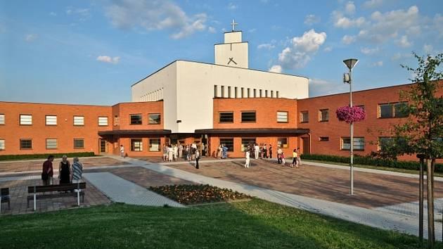kostel Panny Marie Pomocnice křesťanů na Jižních Svazích ve Zlíně.