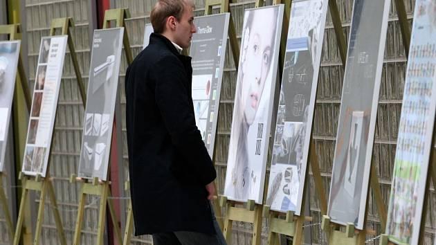 Slavnostní vyhlášení soutěže Talent design 2012 ve Zlíně. Výstava soutěžních návrhů.
