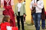 V sobotu 2. dubna 2016 se na malenovickém hradě konal první den nové návštěvnické sezony letošního roku. Na nádvoří mimo jiné bojovali historičtí šermíři, návštěvníci mohli vidět i pohádku dětí z malenovické ZUŠ, a to Šípkovou Růženku.