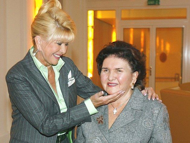 Ivana Trump se svou maminkou Marií Zelníčkovou.