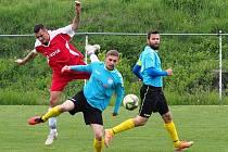 Fotbalisté Štípy (v modrých dresech) zvítězili na hřišti v Sehradicích 2:0.