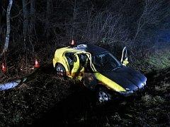 Při tragické nehodě přišel o život mladý řidič.