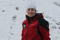 Instruktorka Svahu Zlín už řadu let učí mladé i starší zájemce lyžovat.