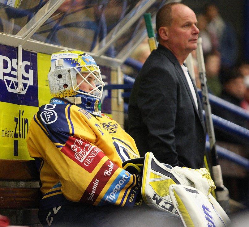 Daniel Huf a trenér brankářů Beranů Richard Hrazdira.