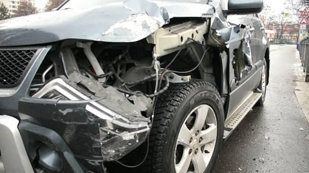 Náledí ohrožuje řidiče.