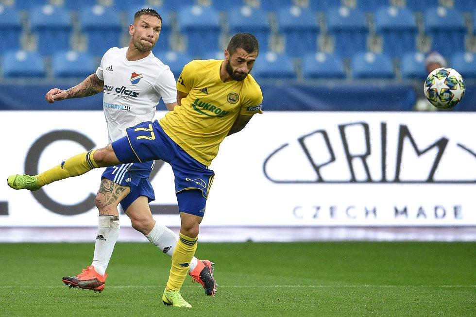 Utkání 12. kola první fotbalové ligy: Baník Ostrava - Fastav Zlín, 5. října 2019 v Ostravě. Na snímku (zleva) Martin Fillo a Vakhtang Tchanturishvili.