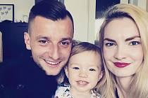 Zlínský fotbalista Adnan Džafić tráví konec roku buď na jihu Čech, odkud pochází manželka Denisa, nebo doma na Balkáně