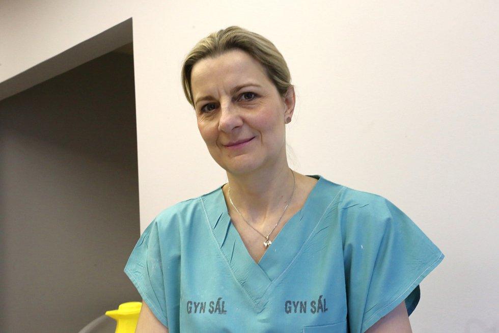 Gynekologico- porodnické oddělení Krajské nemocnice T. Baťi ve Zlíně.Porodní asistentka Ivana Cvičková