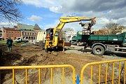 Stavba stálého pódia na náměstí Míru ve Zlíně. Ilustrační foto