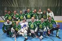 Hokejbaloví veteráni Malenovic na turnaji v Žilině