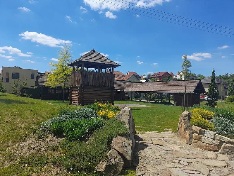 Vysoké Pole, obec v srdci Vizovických vrchů, pod pověstmi opředenou horou Klášťov