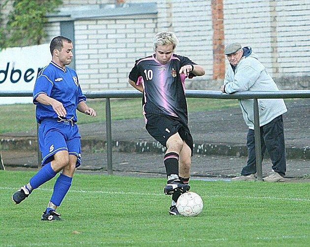 Fotbalové utkání Napajedla (černí) - Tlumačov.