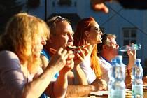 Setkání muzikantů a soutěž v pojídání frgálů.
