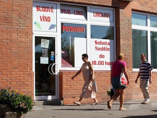 Zrušená prodejna Martina Cekoty v I. segmentu na sídlišti Jižní svahy ve Zlíně, ve které prodával jedovatý alkohol