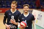 Zlínští volejbalisté se v předehrávce 7. kola extraligy dočkali první letošní výhry, když Ústí nad Labem zdolali 3:1 na sety.