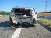 Následky nehody na dálnici u Hulína