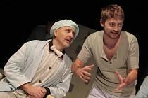 Hra Tracyho tygr v Městském divadle ve Zlíně.