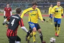 Fotbalisté Zlína (ve žlutém) v přípravě proti Prostějovu