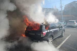 Požár tří aut na Jižních svazích