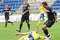 Druholigoví fotbalisté Zlína porazili v přípravném zápase Kroměříž vysoko 7:1.