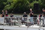 Při příležitosti otevření nového stánku TIC se zde konala první letošní venkovní akce, na které vystoupily místní kapely Tady a teď a Gaia, a to přímo na střeše lodi Morava.