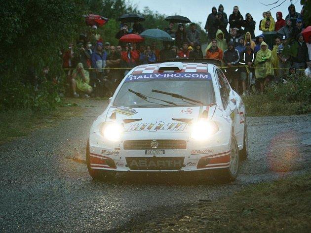 Průjezdy 9. RZ Barum Rally v Zádveřicích, které již postihly dešťové přeháňky.