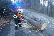 Pátek 20. prosince 2019. Následky silného větru ve Zlínském kraji