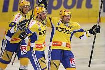 Čajánek a Leška se radují z vítězného Galvasova gólu