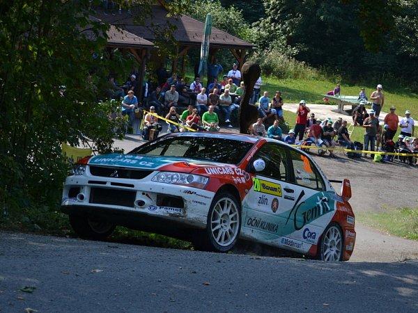Barum Rally: Průjezd 3RZ Troják. Na snímku Černý